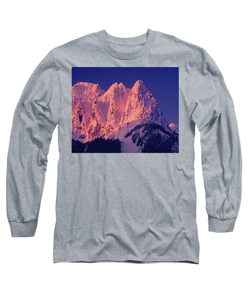 1m4503-a Three Peaks Of Mt. Index At Sunrise Long Sleeve T-Shirt