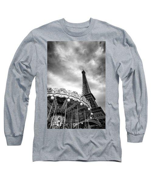 Long Sleeve T-Shirt featuring the photograph Paris by Hayato Matsumoto