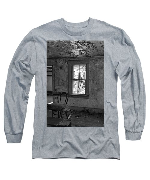 Abandon House Living Room Long Sleeve T-Shirt by Betty Pauwels