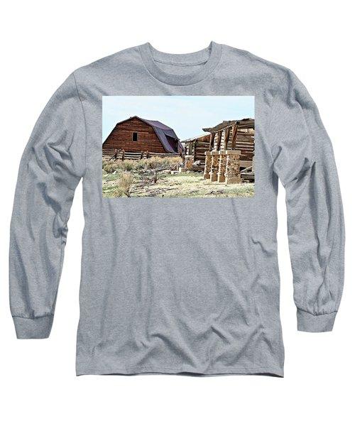Abandoned Barn Long Sleeve T-Shirt