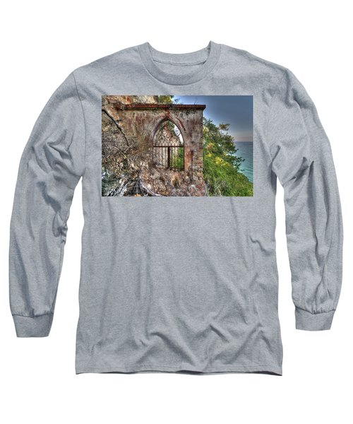 Abandoned Places Iron Gate Over The Sea - Cancellata Sul Mare Long Sleeve T-Shirt