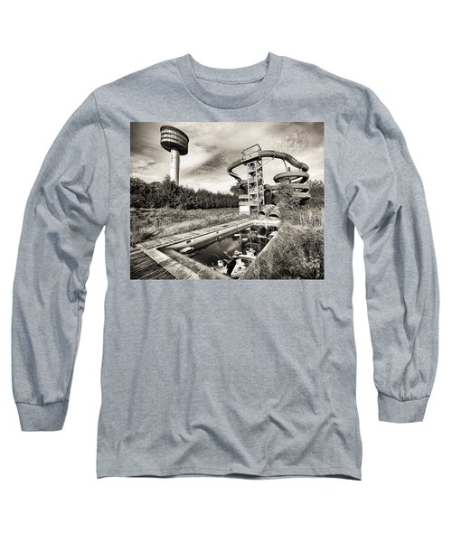 Long Sleeve T-Shirt featuring the photograph abandoned swimming pool - Urban decay by Dirk Ercken