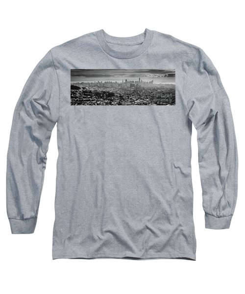 Back And White View Of Downtown San Francisco In A Foggy Day Long Sleeve T-Shirt