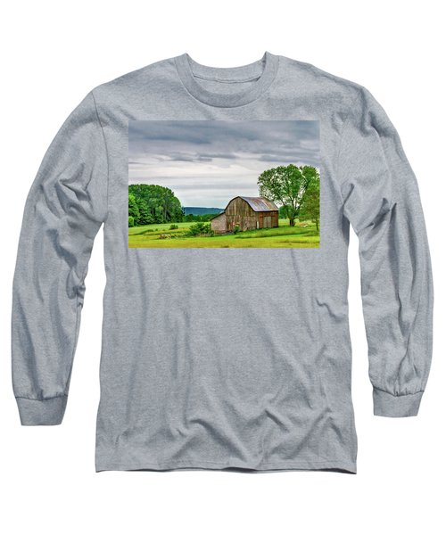 Long Sleeve T-Shirt featuring the photograph Barn In Bliss Township by Bill Gallagher