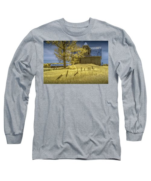 Barn With Barb Wire Fence In Infrared Long Sleeve T-Shirt