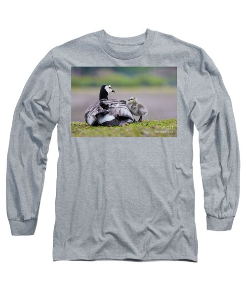 Barnacle Goose With Chick In The Rain Long Sleeve T-Shirt