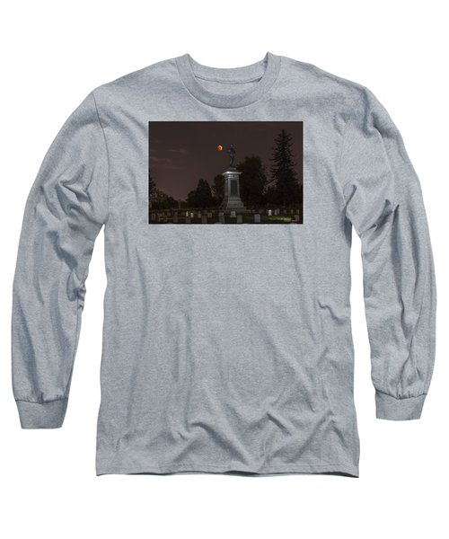 Blood Moon At The Colorado Volunteers Memorial Long Sleeve T-Shirt by Stephen  Johnson