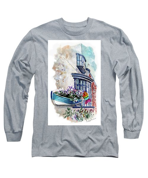 Broadies By The Sea In Staithes Long Sleeve T-Shirt