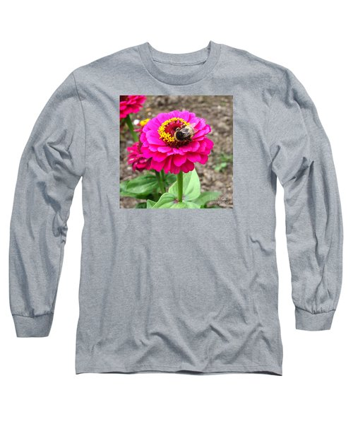 Bumble Bee On Pink Flower Long Sleeve T-Shirt