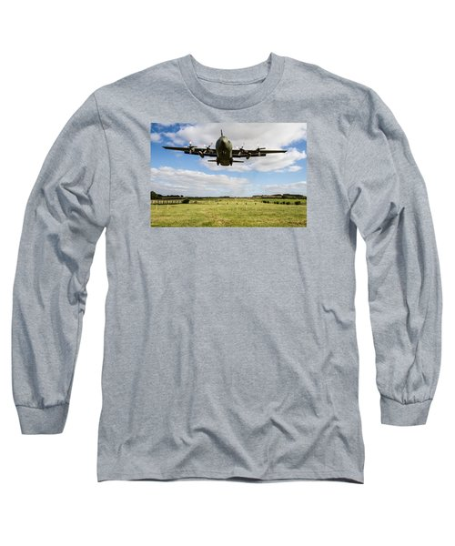 C130 Hercules Landing Long Sleeve T-Shirt