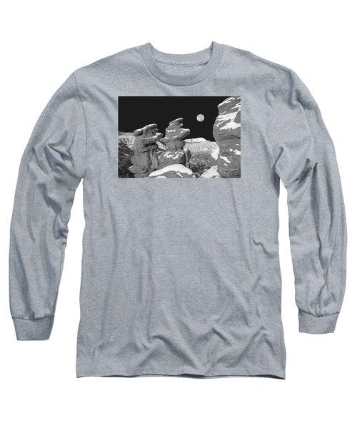 Cabrakan, The Mayan God Of Mountains  Long Sleeve T-Shirt