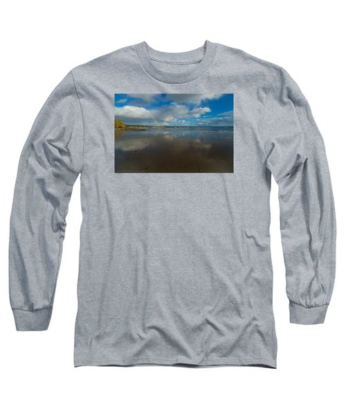 Long Sleeve T-Shirt featuring the photograph Christmas Eve Early Gifts by Lora Lee Chapman