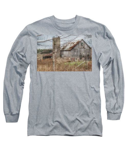 0008 - Churchill Christmas Barn Long Sleeve T-Shirt