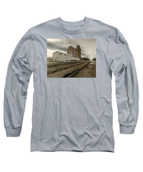 Circle B Feeds Concordia Kansas Long Sleeve T-Shirt