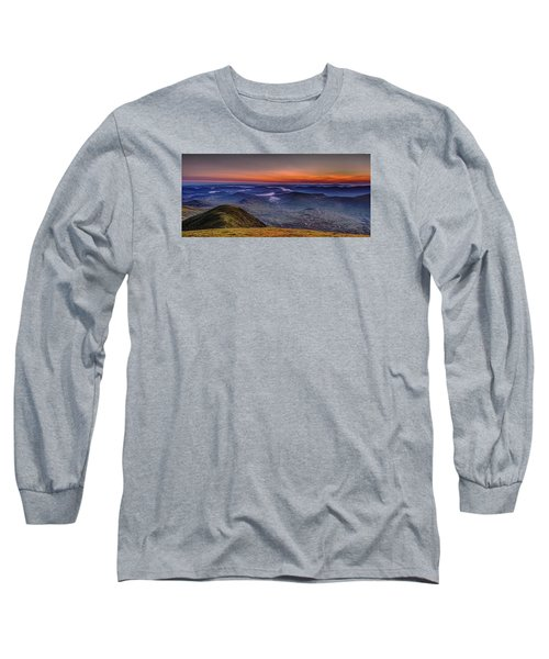 Dawn At The Merrick Summit Long Sleeve T-Shirt