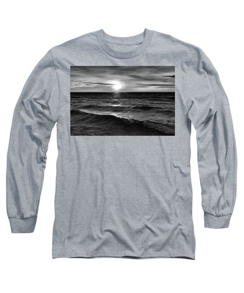 December 20-2016 Sunrise At Oro Station Bw  Long Sleeve T-Shirt