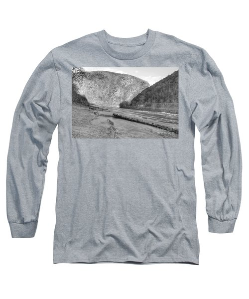 Delaware Water Gap In Winter Long Sleeve T-Shirt
