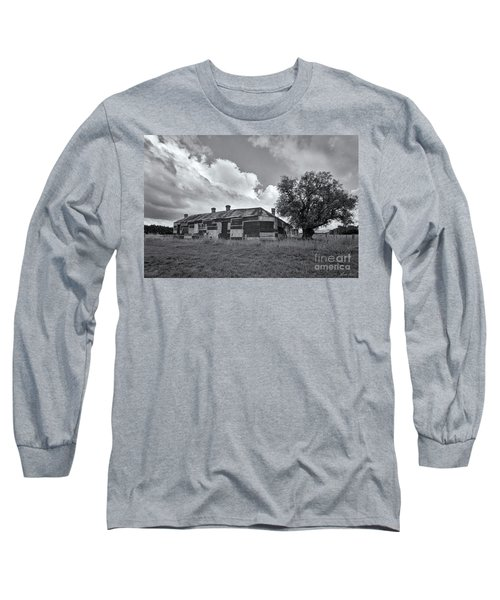 Long Sleeve T-Shirt featuring the photograph Duckholes Hotel by Linda Lees