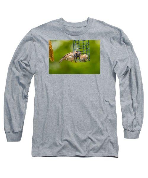Dunnok Eating Long Sleeve T-Shirt
