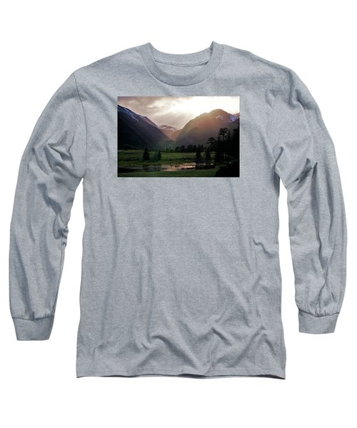 Early Evening Light In The Valley Long Sleeve T-Shirt