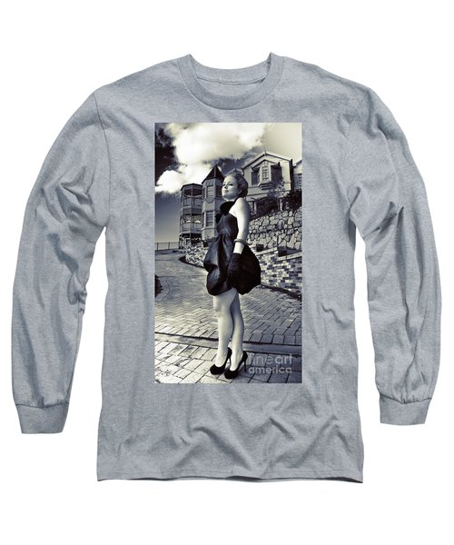 Fashionable Woman And Mansion Long Sleeve T-Shirt