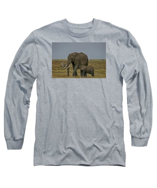 Long Sleeve T-Shirt featuring the photograph Feeding Time by Gary Hall
