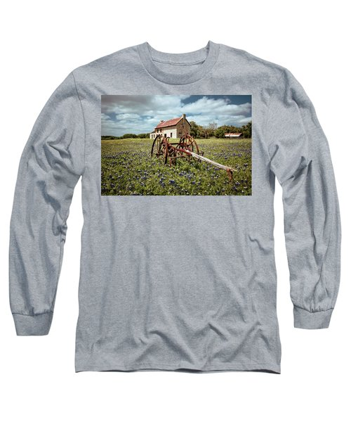 Long Sleeve T-Shirt featuring the photograph Final Resting Place by Linda Unger
