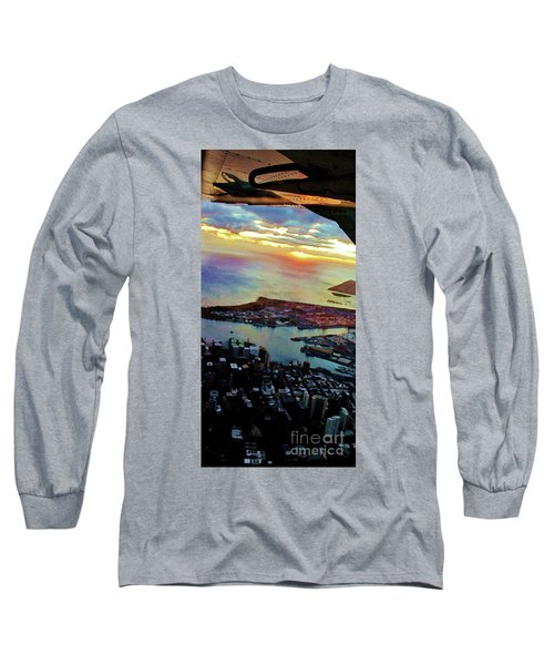Long Sleeve T-Shirt featuring the photograph Flying Into Honolulu II by Craig Wood