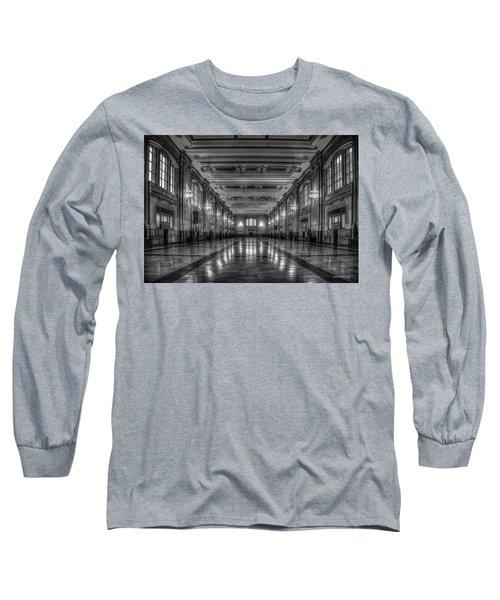 Frozen In Time B W Union Station Kansas City Missouri Art Long Sleeve T-Shirt