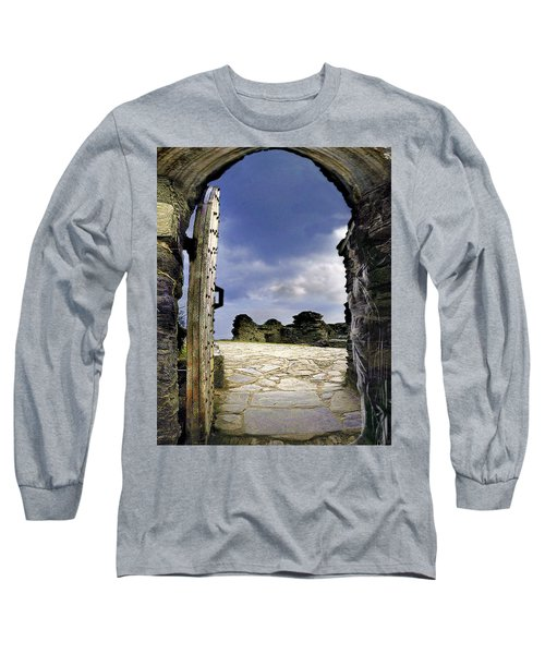 Gateway To The Castle  Long Sleeve T-Shirt