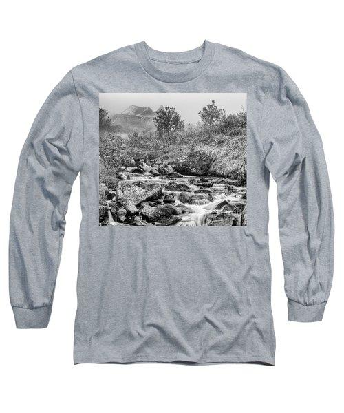 Gold Rush Mining Shack In The Alaskan Mountains Long Sleeve T-Shirt