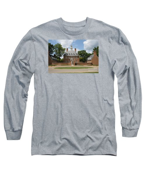 Governers Palace - Williamsburg Va Long Sleeve T-Shirt by Christiane Schulze Art And Photography