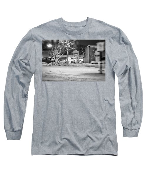 Hale Barns Square In The Snow Long Sleeve T-Shirt