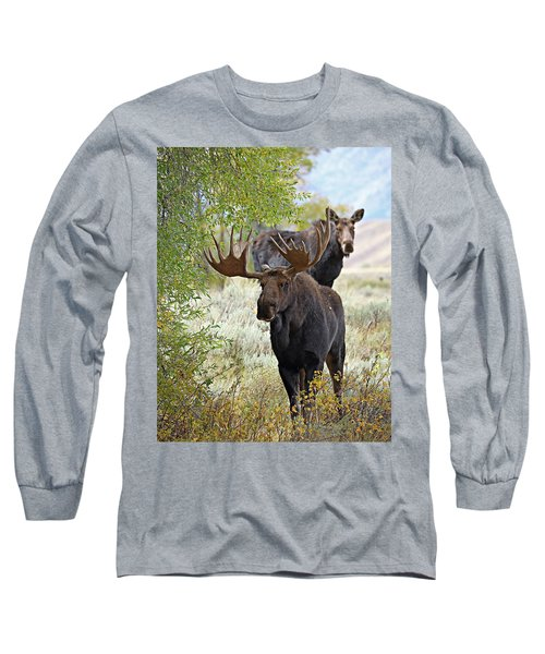 Handsome Bull With Cow Long Sleeve T-Shirt