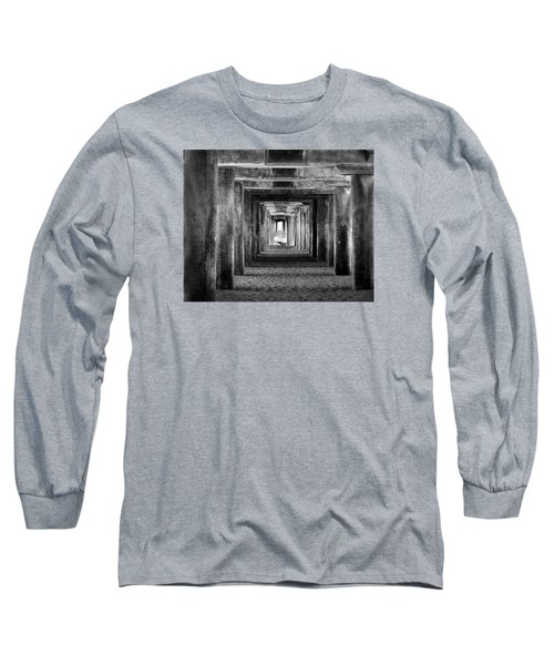 Hidden Illusions 2 Bw Long Sleeve T-Shirt