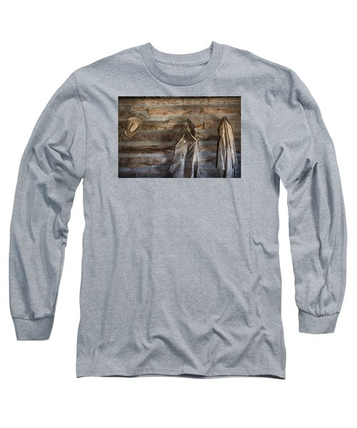 Hole-in-the-wall Cabin At Old Trail Town In Cody In Wyoming Long Sleeve T-Shirt