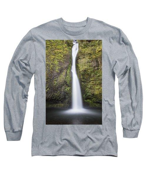 Horsetail Falls In Oregon With Splash Long Sleeve T-Shirt