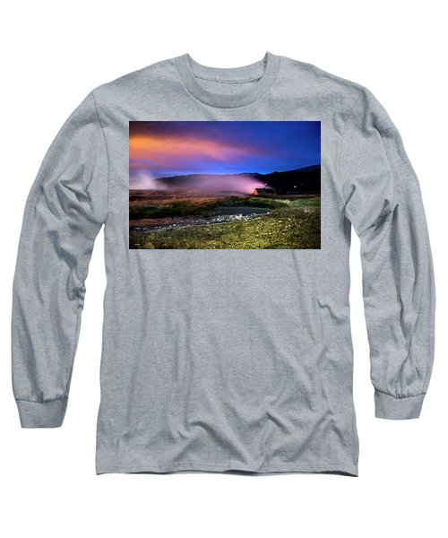 Long Sleeve T-Shirt featuring the photograph Icelandic Geyser At Night by Dubi Roman