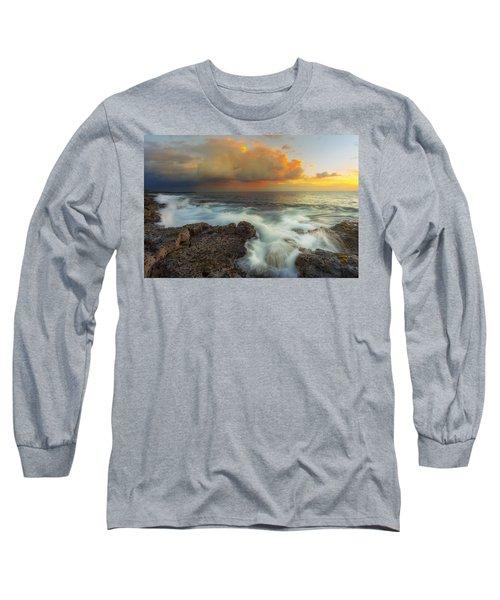 Long Sleeve T-Shirt featuring the photograph Kona Rush Hour by Ryan Manuel