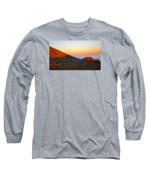 Mauna Kea Sunset With Full Moon Volcanoes National Park Hawaii Long Sleeve T-Shirt