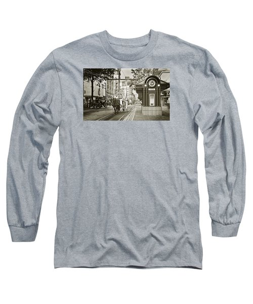Memphis Carriage Long Sleeve T-Shirt by Liz Leyden