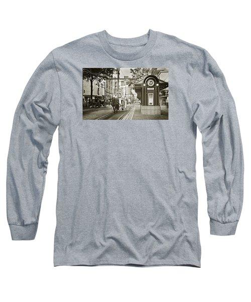 Memphis Carriage Long Sleeve T-Shirt