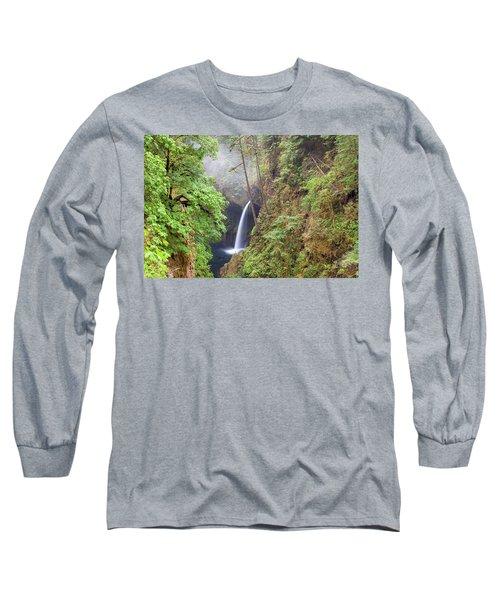 Metlako Falls In Columbia River Gorge Long Sleeve T-Shirt