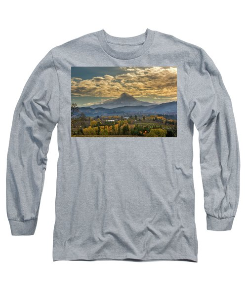 Mount Hood Over Farmland In Hood River In Fall Long Sleeve T-Shirt