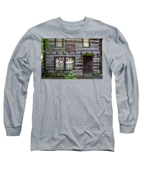 Old Log Building Long Sleeve T-Shirt