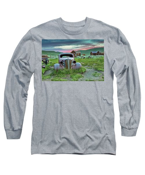 Old Truck In Bodie Long Sleeve T-Shirt