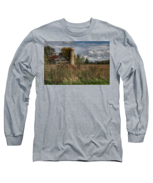 0034 - Old Wooden Barn And Silo Long Sleeve T-Shirt