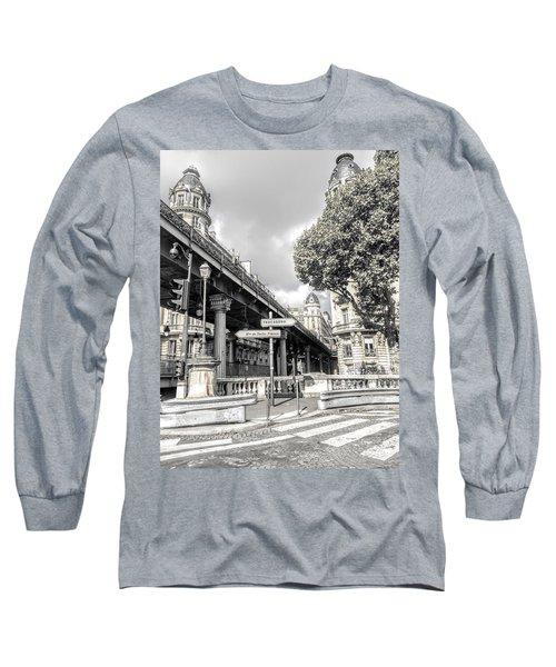 Pont De Bir-hakeim, Paris, France Long Sleeve T-Shirt