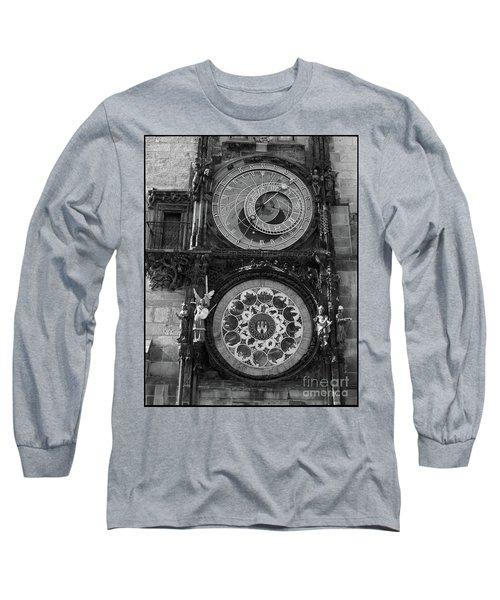 Prague Astronomical Clock In B/w Long Sleeve T-Shirt
