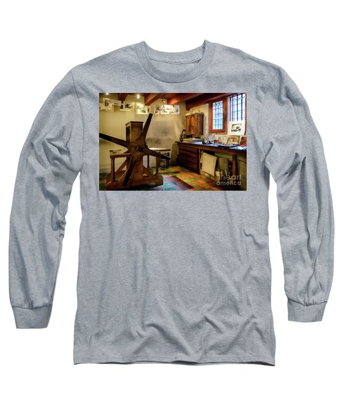 Long Sleeve T-Shirt featuring the photograph Rembrandt's Former Graphic Workshop In Amsterdam by RicardMN Photography